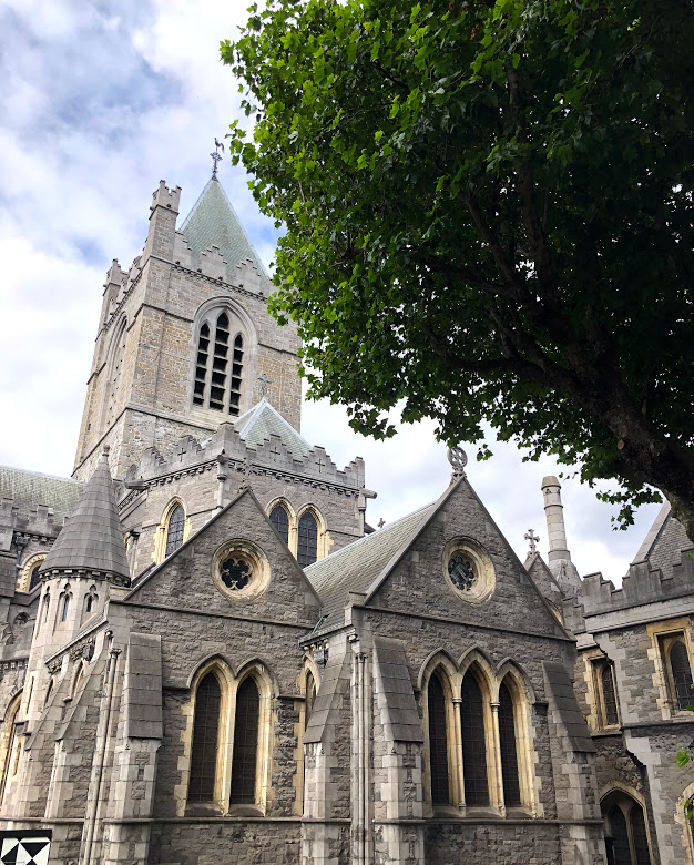 Christ Church Cathedral houses the heart of St. Laurence - a heart that was stolen and missing for 6 years, but returned anonymously in 2018. Rumors are that the thieves' family was cursed with multiple heart attacks following the robbery.