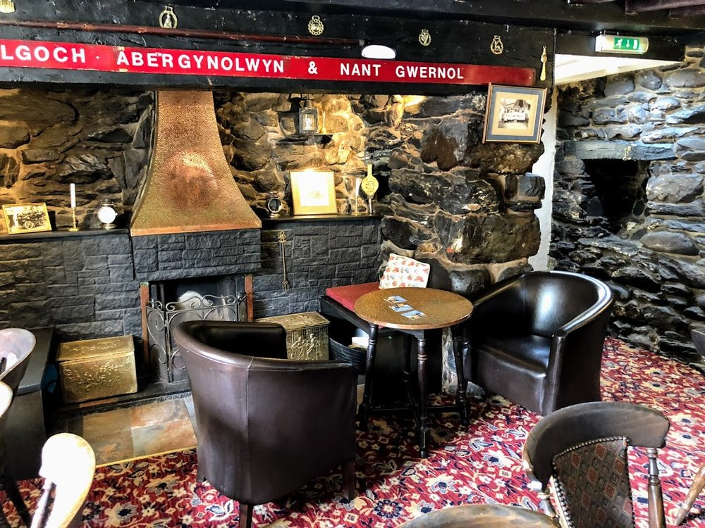 railway pub snowdownia wales.jpg