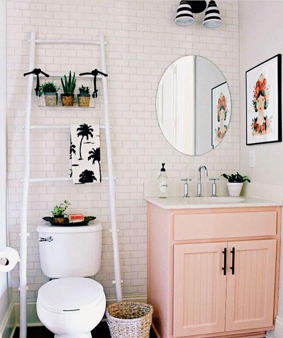 pinkbathroom.jpg
