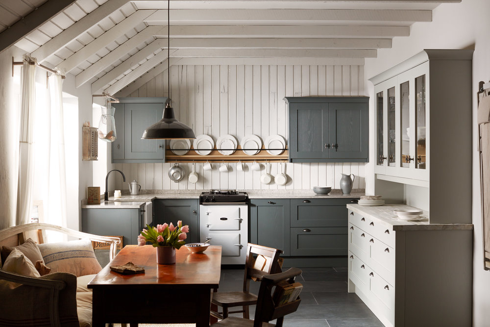 Style 3 - If you're looking to complement the character and charm of a traditional, rural property then look no further.To achieve a rustic feel and reflect the surrounding environment, mix natural timber, granite and blue-slate greys. Incorporate salvaged, up-cycled or reclaimed pieces and materials to complete the overall scheme.