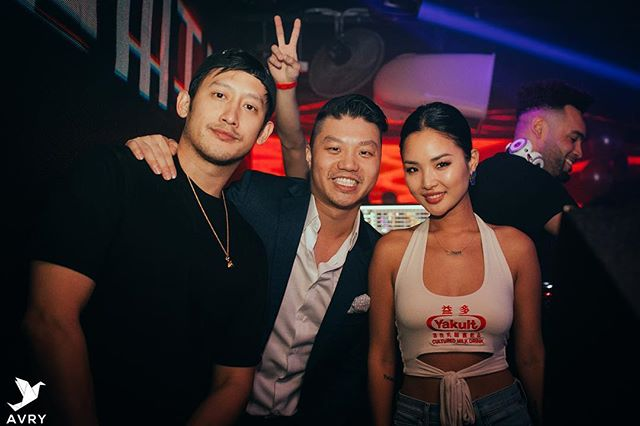 Who likes #Yakult? Thank you @itsagentsmith and @chaileeson for making our 1 year anniversary a blast!! #avry #singapore