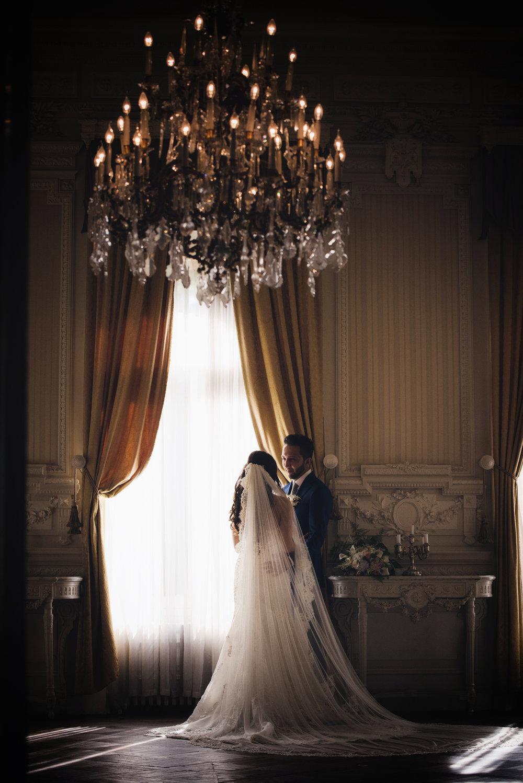 werkwijze - - Aanvraag- Kennismakingsgesprek- Offerte- Indien akkoord: aanbetaling van 25%- Follow up gesprek rond 6 weken voor de bruiloft- Eventueel Love shoot- Follow up gesprek rond 2 weken voor de bruiloft- Volledige betaling 1 week voor de bruiloftJullie trouwdag!- Same day slideshow- Foto's zorgvuldig bewerkt- Preview binnen 1 week na de bruiloft- Levering foto's digitaal binnen 6 weken- Albumproef via mail- Verwerking eventuele wijziging in het album- Laatste albumproef- Album bestelling na akkoord- Levering album