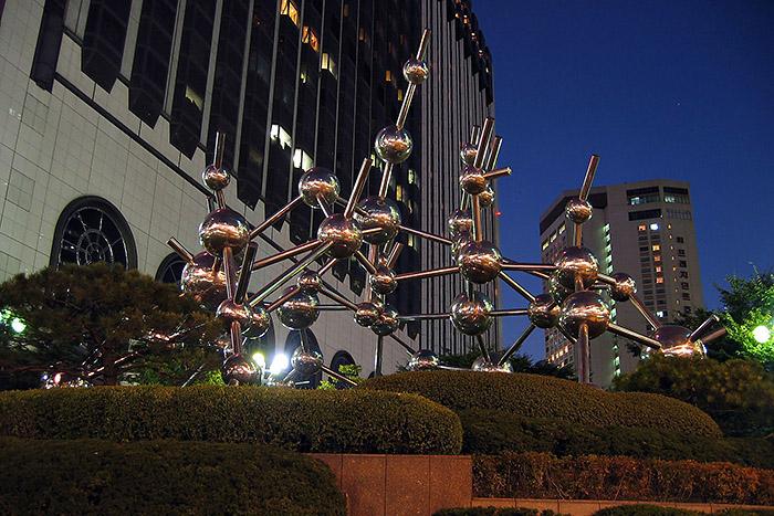 2008_100s_Night_03_700px.jpg