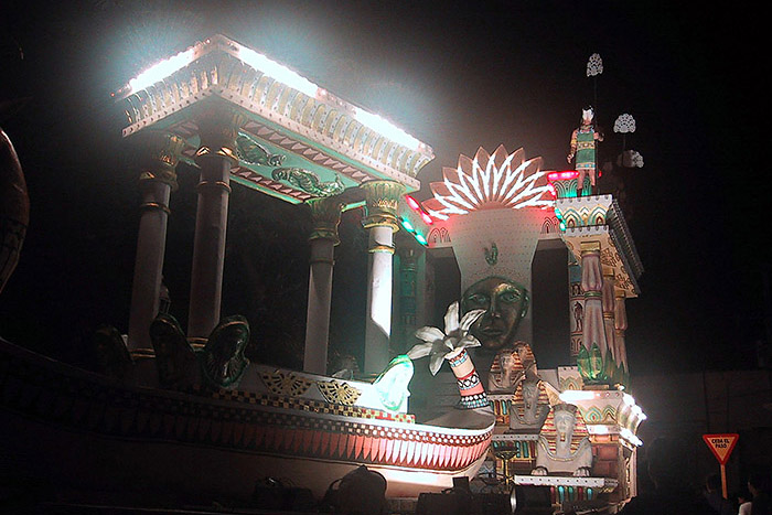 2008_100s_Night_05_700px.jpg
