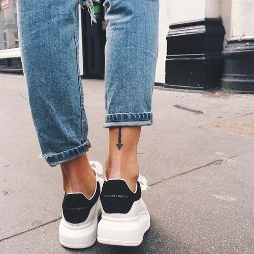 f2579fe2a9969796e9c3f67183c9036f--black-sneakers-tattoo-ideas.jpg