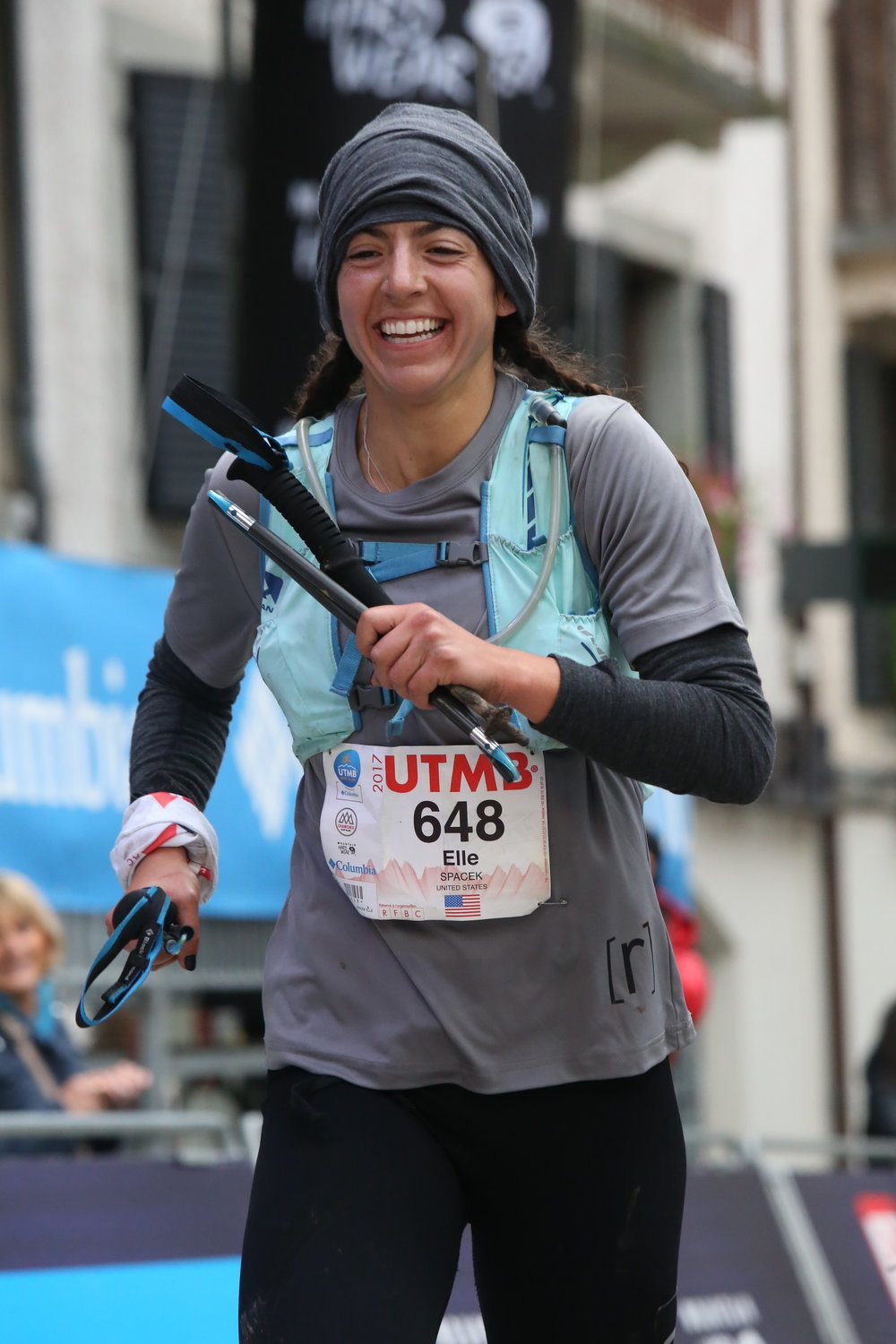 Elle finishing strong at the 2017 UTMB wearing the base compression top, ruhn t-shirt + women's 3/4 legging