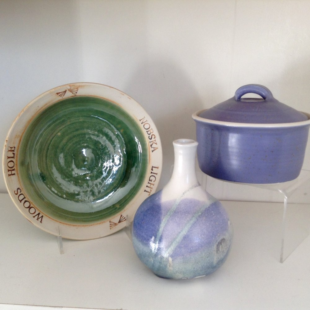 - Quisset Studio PotteryAnne Helpin is a local Woods Hole potter who creates timeless pieces of beauty and function.  Her glazes reflect her love of nature and the ocean.