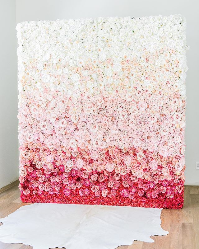 Just can't get enough of you 💗❤️ #flowerwallbackdrop #flowerwall #flowerwallvancouver #ombre #ombreflowerwall