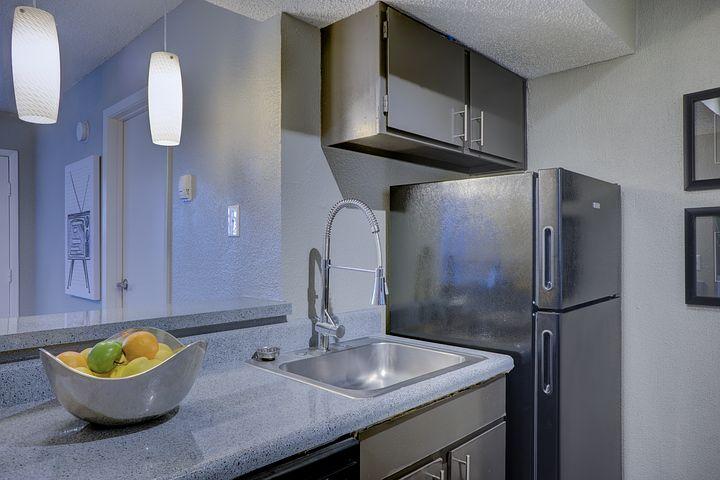 kitchen-2084994__480.jpg