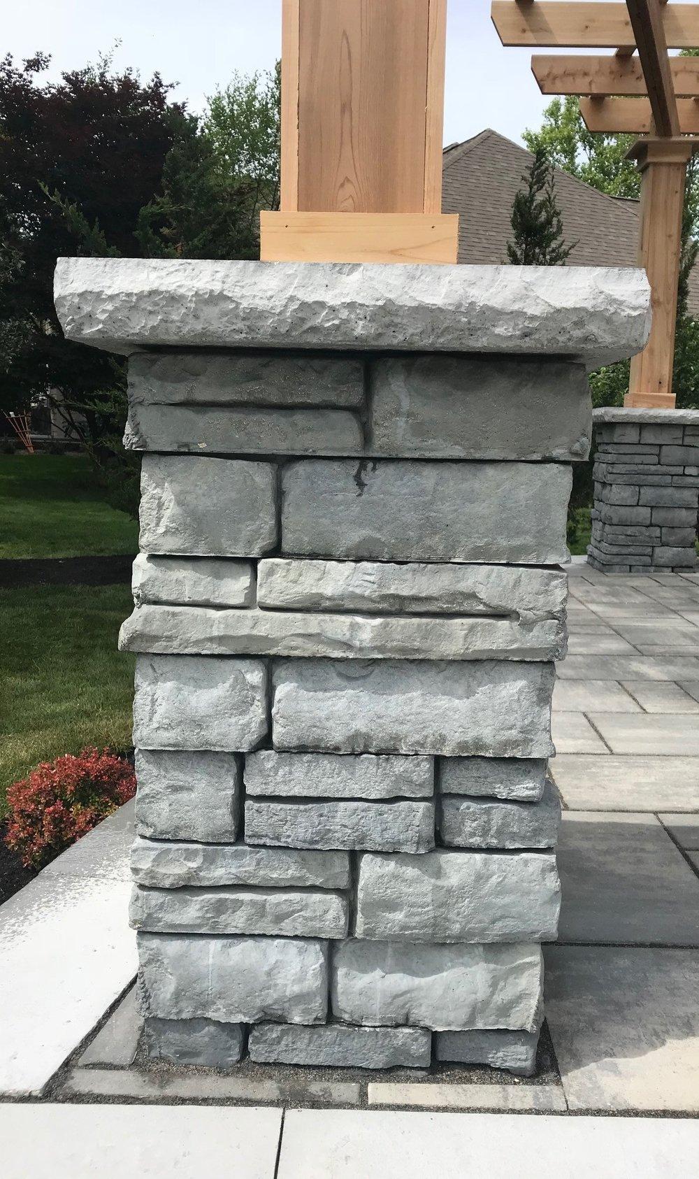Unilock Rivercrest Pillar
