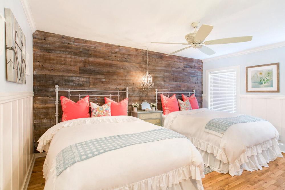 shabby-chic-guest-bedroom.jpg