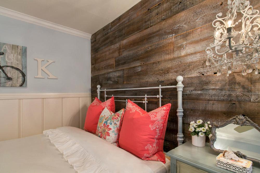 shabby-chic-wood-wall-dallas.jpg