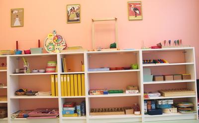 Lettres et chiffres - En utilisant du matériel Montessori