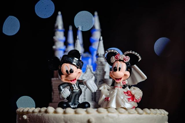 Speaking of #disney... can you spot the couple's rings?! ⠀⠀⠀⠀⠀⠀⠀⠀⠀ Love this cake topper! ⠀⠀⠀⠀⠀⠀⠀⠀⠀ #indianbride #indianwedding #desibride #desiwedding #bridalportrait #stunningbride #IndianWeddings #indianweddinginspiration #indianweddingbuzz #indianweddingphotographer #indianweddingphotography #indianweddingjewellery #indianweddingmakeup #indianweddingdress #indianweddingoutfits #indianweddingseason #indianweddinginspo #indianweddingfashion #indianweddingwear #indianweddingstyle #indianweddingglam #indianweddingstories #bridalportraitsession #bridalportraiture #sony #sonyA7RIII #sonyphotographer #sonyportraitphotographer #bostonweddingphotographer