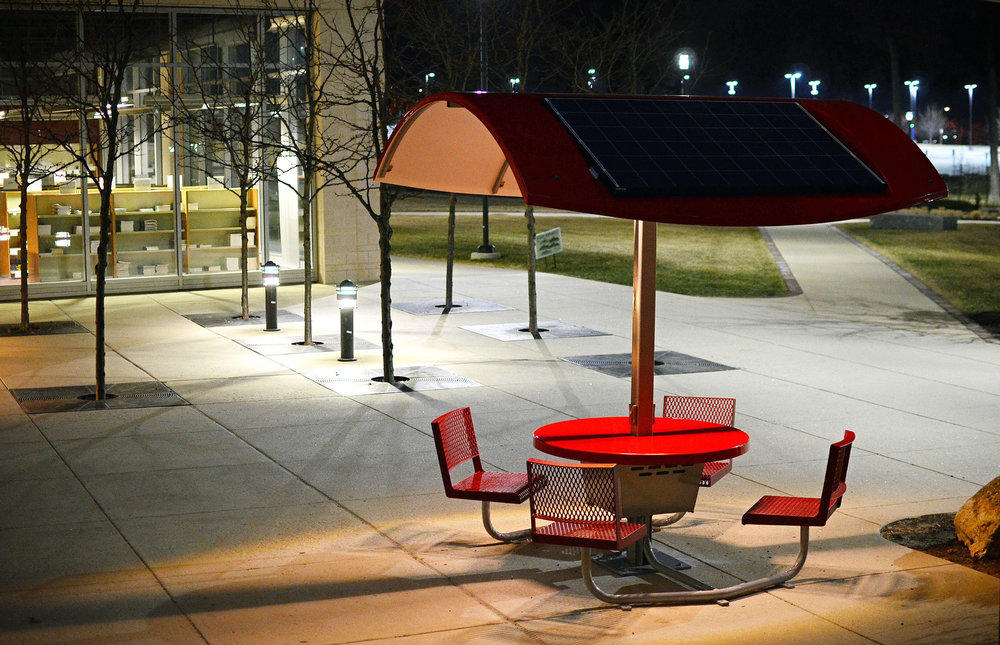 Evodia Solar Table Red.jpg