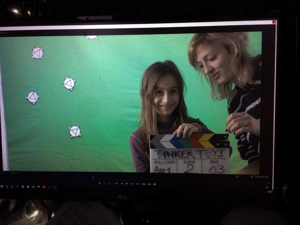Kindern fällt es oft leichter, sich vor der Kamera wohl zufühlen. Alles ist aufregend und neu - also mit anpacken lassen und ihr Selbstvertrauen stärken!  Tinker Toys Sponsorenfilm // Prod.: Picmention GmbH 2017