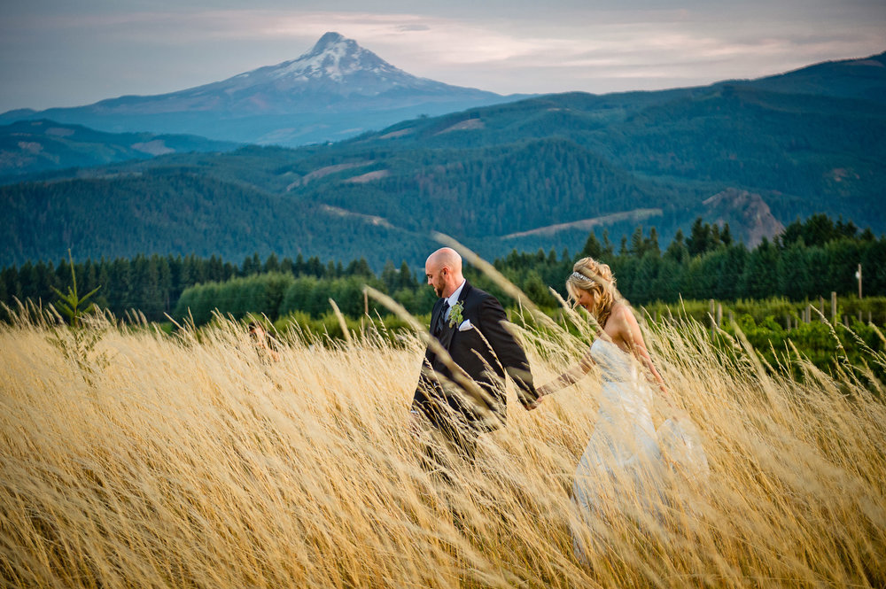 00071-moscastudio-gorge-crest-vineyard-weddings-ONLINE.jpg