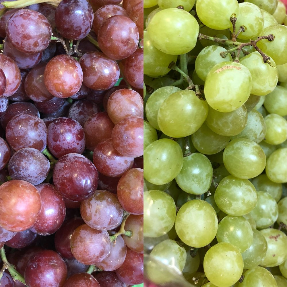Organic red and green seedless graoes