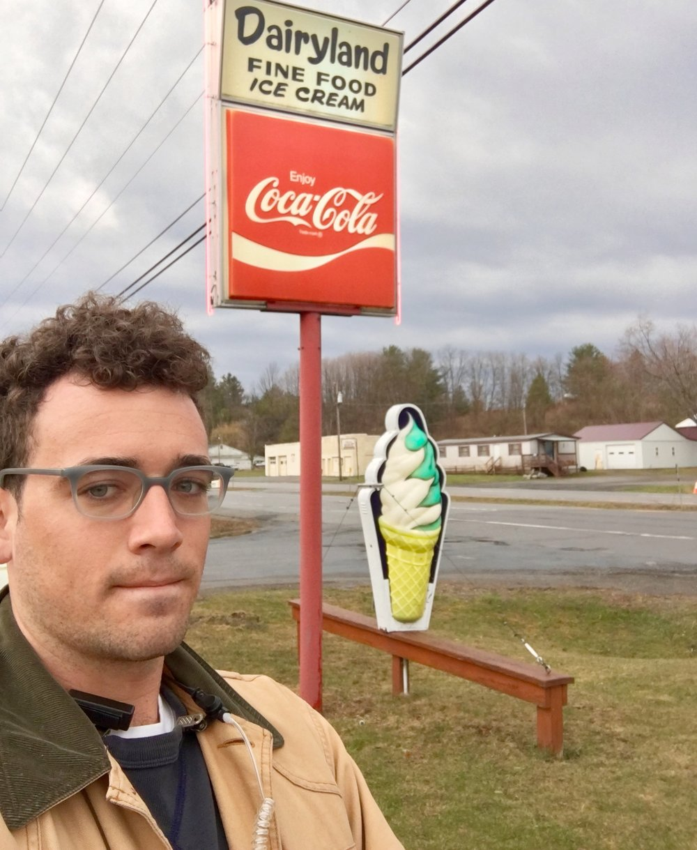 Ben Keeshin - I'm a writer, editor and production coordinator who graduated Wesleyan U with degrees in English and Music. I can do editorial, branded content and copy.My cultural touchstones are 'My Best Friend's Wedding,'preppy Mercedes-Benz print ads from the Eighties and Aretha Franklin's gospel album. Find me often on Facebook Messenger.