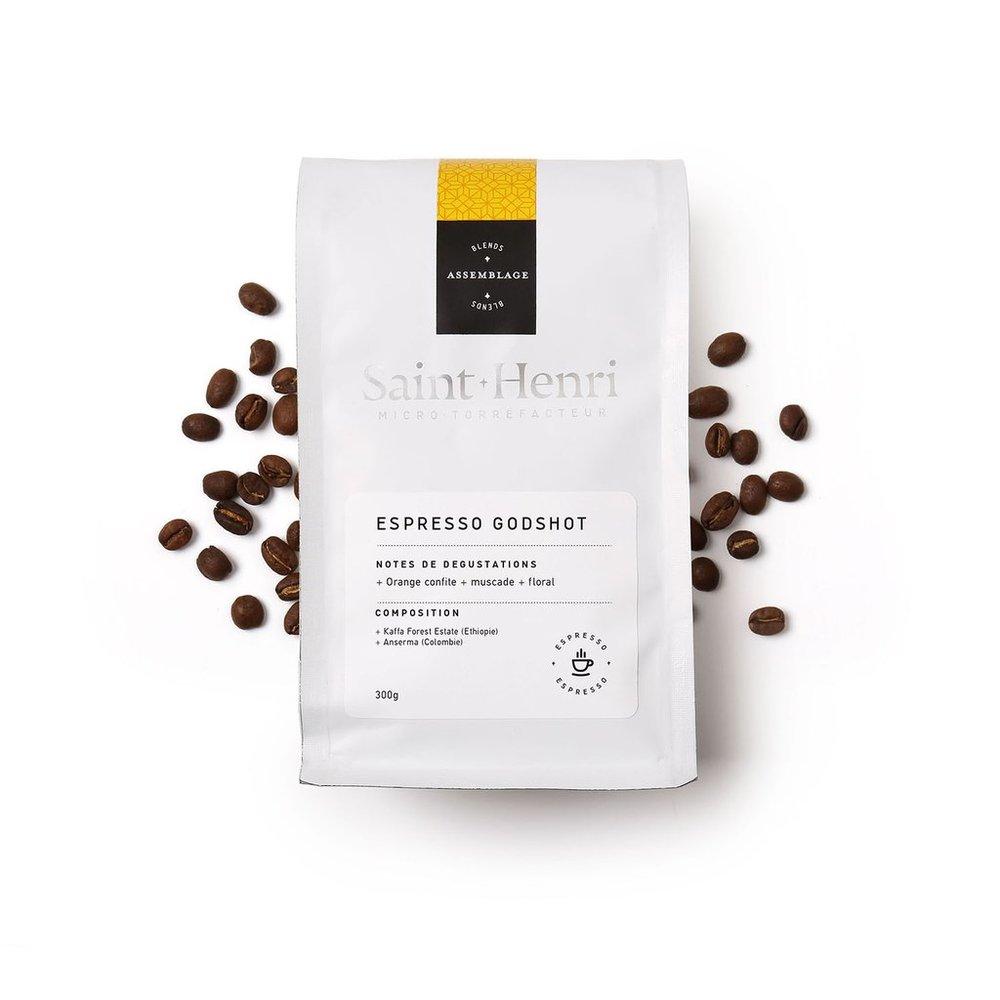 La clé des champs : Godshot - Le Godshot est l'espresso signature de notre partenaire, le Saint-Henri. C'est un café acidulé, tourné vers le fruit, qui produit un liquide de grande qualité pour celles et ceux qui sortent des sentiers battus afin de surfer à fond sur la troisième vague.