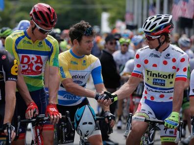 Sagan «le sprinteur» arborant le maillot du meilleur grimpeur. Une image qui en dit long sur la polyvalence nécessaire à tout bon coureur.