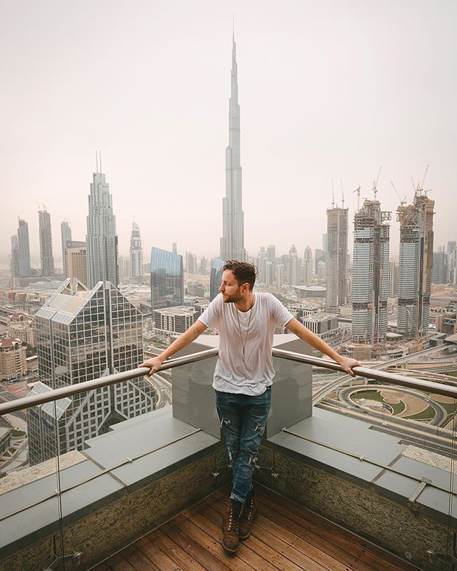 Burj Khalifa. The tallest building in the world. We were only here for 4 hours! But it was worth every minute. Episode 6 in Dubai comes out tomorrow. Who's pumped? ✈️ • • • • • • • • • #wonderfulworld #visitdubai #dubai #mydubai #travelgram #travel #trip #happ #das17 ##simplydubai #dxb #dubaitag #dubaimall #dubailife #dubai🇦🇪 #dubai❤️ #atlantisthepalm #dubaimarina #simplyabudhabi #dubaifood #inabudhabi #myabudhabi #graffdiamonds #dubailuxury #dubaidowntown #whereverigo #aroundtheworld #danbremnes