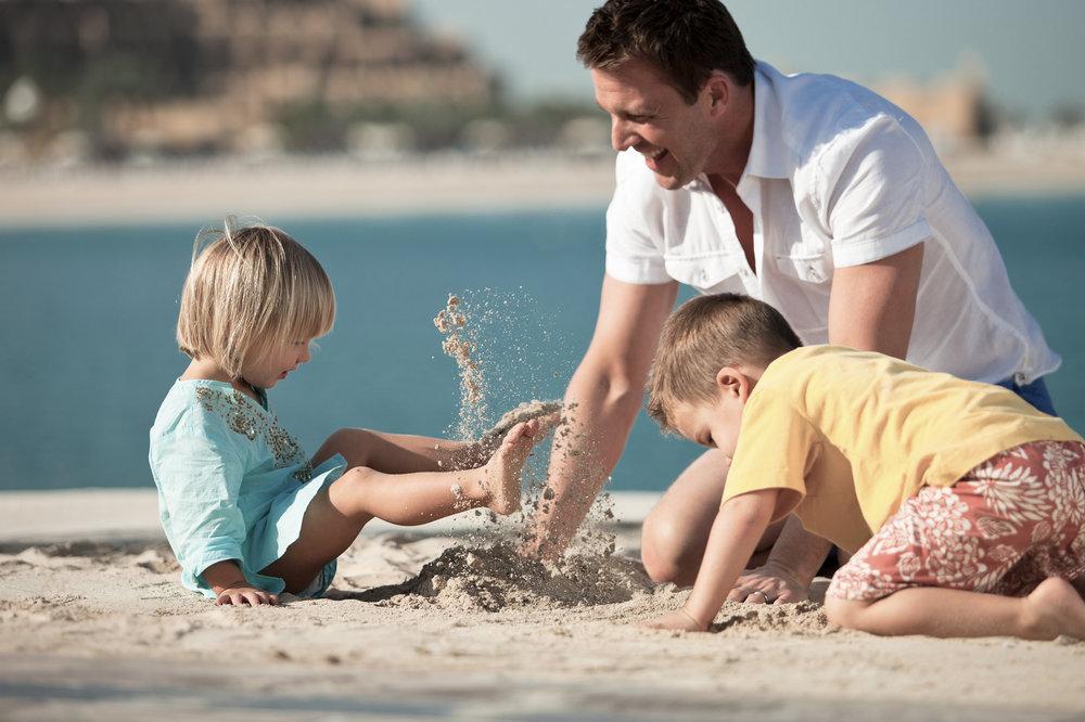 HIL_RasAlKhaimah_Family_Beach1648.jpg