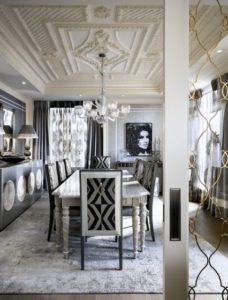 26.-Lorri-Morris-glamorous-dining-room-with-ornate-ceiling-decorateur-chic-228x300.jpg