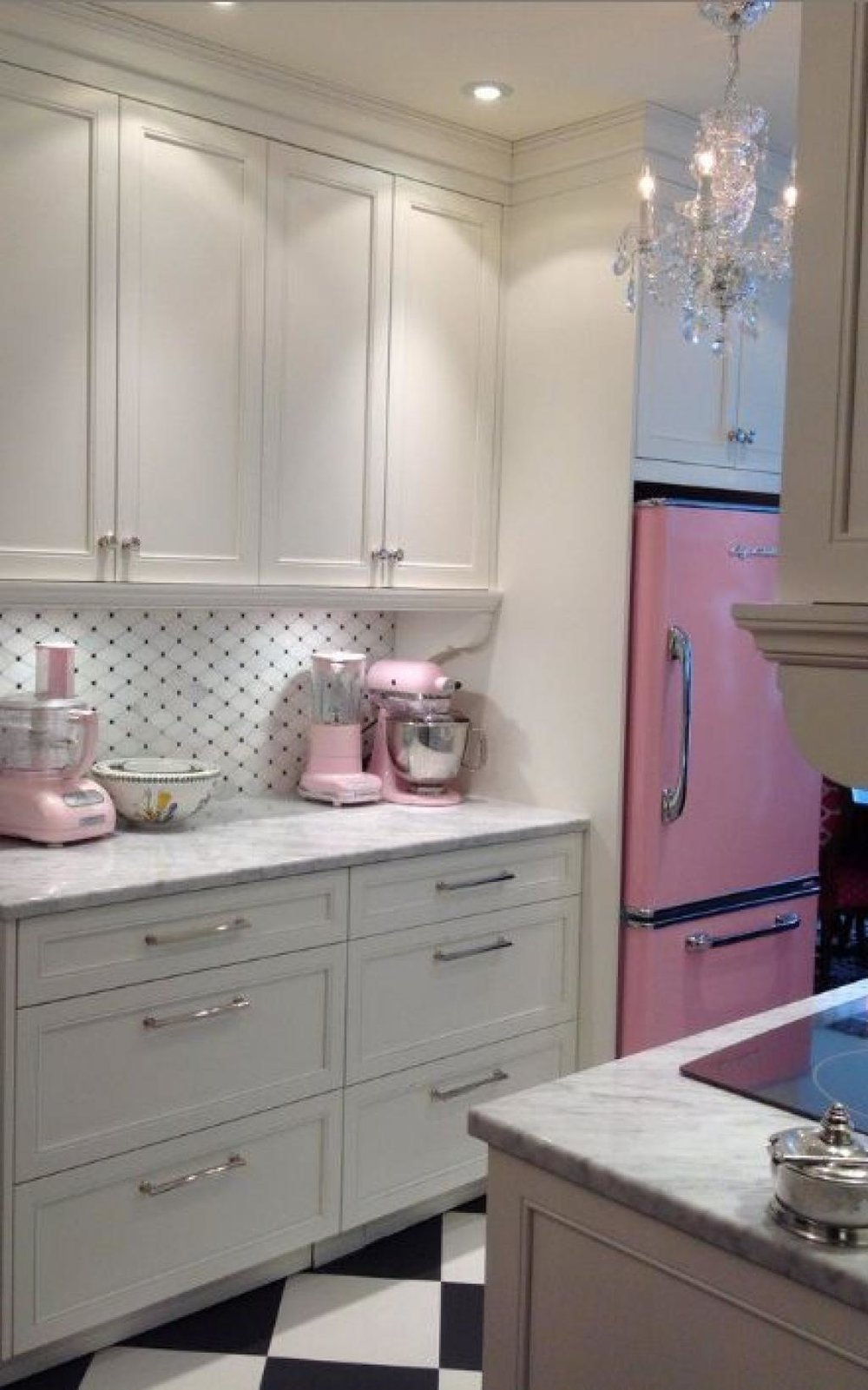 33. glamorous pink retro kitchen-decorateur chic.jpg