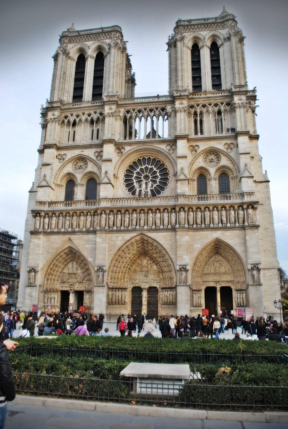 Notre Dame-Decorateur Chic-Glamorous family Travel.JPG