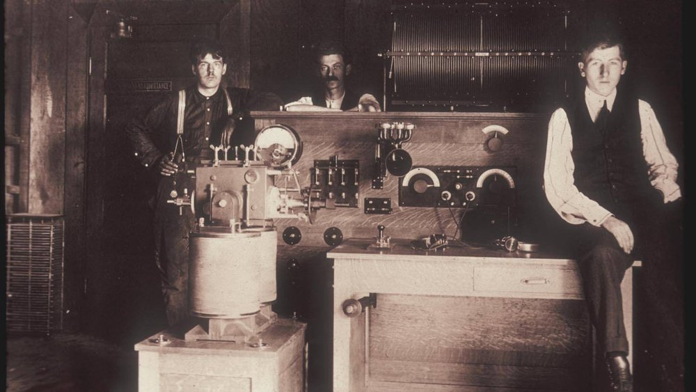 Also-in-1909-Cyril-Ewell-led-a-Palo-Alto-based-team-that-developed-the-first-American-built-arc-transmitter-.jpg