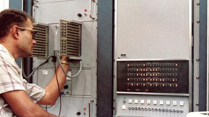 HP 2116A_1967-PromoPhoto-38.jpg