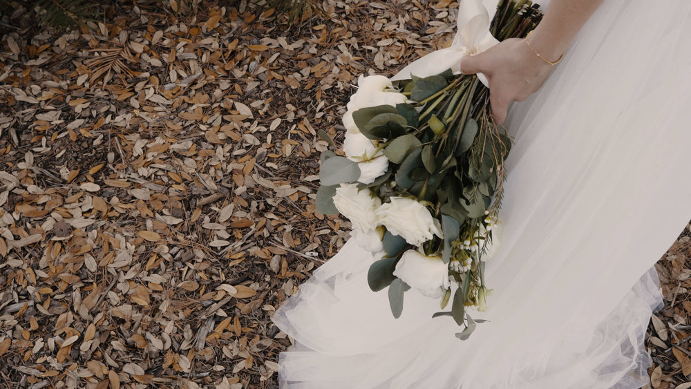 Beautiful Bride in Tampa Carries a Boquet.JPG