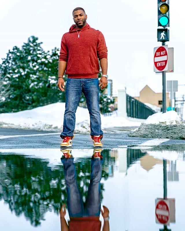 Reflecting on the Rookie Of The Year. . . . . . . #ig_mood #minneapolis #ig_fashion #shotportz #photography #studiolife #ig_portrait #portcult #seniorportraits #minnesotaphotographer #photography #midwest #twincities #portraits_ig #streatwear #midwest #portraitphotography #cityscape #dynamicportraits  #mymn #photoshootfresh #portraitshots #summershoot #streetwearfashion #ig_photooftheday #ig_mood #goodvibesonly #minnesotaphotography