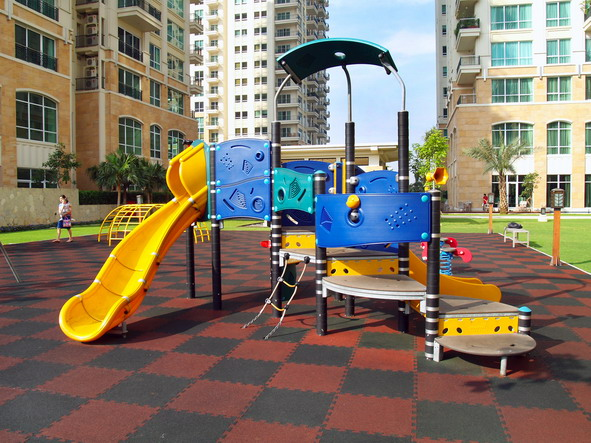 Outdoor Children Playground_resize.jpg