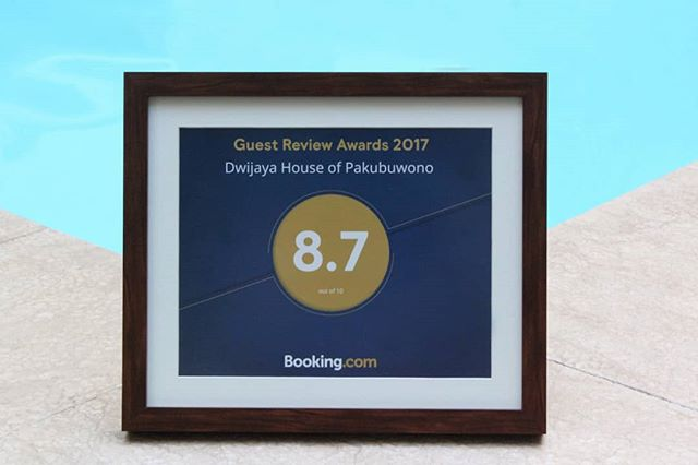 Dwijaya House of Pakubuwono is got featured in Guest Review Award 2017 from @bookingcom . Thank you so much for your kind review 🙏 We are keen to see you on your next visit ✨✨ - Find us on @bookingcom ! 🙌🏻🙌🏻 . . www.dwijayahouse.com #dwijayahouse #jakarta #servicedapartments #leisure #clean #weekend #getaway #foodies #review #hospitality #fineliving #servicedresidence #Jakarta #jakartaselatan #noeditnofilter #awards #guestreviewawards2017 #adventuretravel #travel #travelingpost #tasteintravel #welltravelled #welivetoexplore #smile #happy #お客様の声 #instagramjapan #travel #vacation #booking #bookingcom