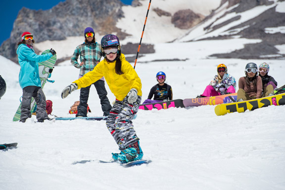high-cascade-snowboard-camp-girl-coach.jpg