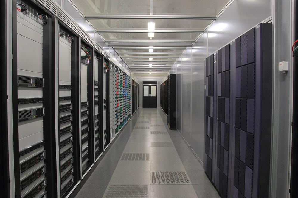 DC_Products_RacksCabinets_ServerRacksCabinets.jpg