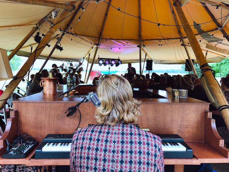 The Piano Bar - Bruiloft Martje & Marco 2.jpg