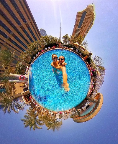 Dubai pool 360 picture sunshine.jpg