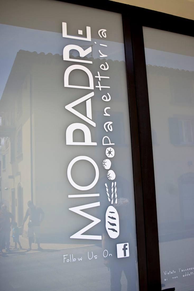 Panetteria Mio Padre vetrofania - opening party - inaugurazione -  logo - immagine coordinata - panetteria - pasticceria - Assisi