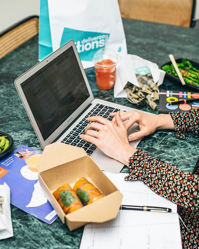 Working from home? Need a quick, healthy and delicious lunch delivered to your office? Look no further... Get our Pan Asian inspired street bar snacks delivered to wherever you are, including our famous toki rolls and succulent skewers. Everything is #glutenfree and #dairyfree free too, but you wouldn't know... it's finger licking good 🤤 Get us on Deliveroo from 11:30 daily 🚴‍♂️ #Sinchow #ThatsHowWeRoll