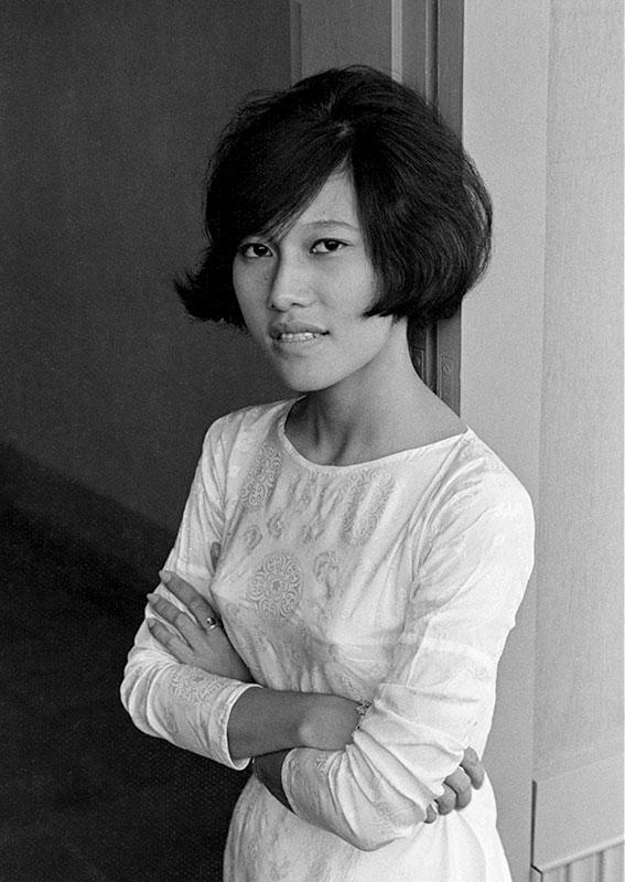 6-portraitsofvietnam-woman.jpg