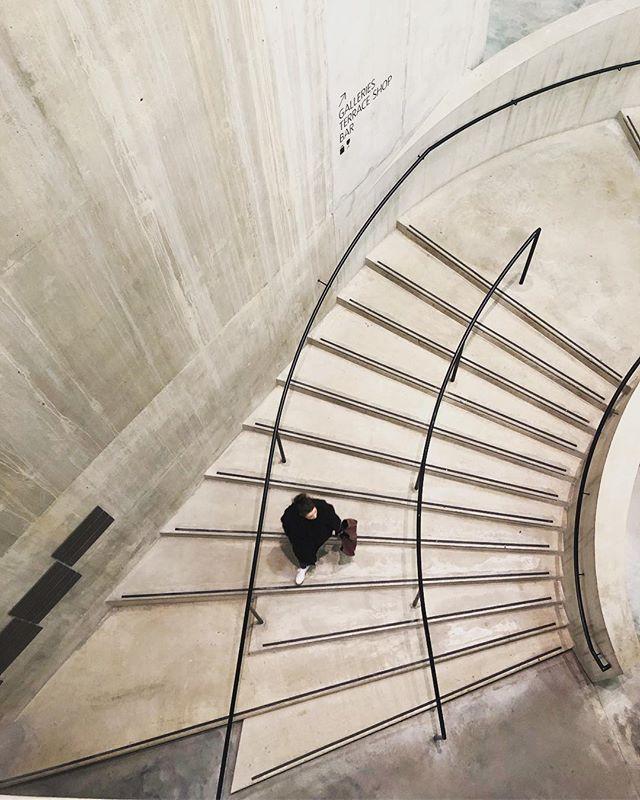 Tate spiral by @herzogdemeuron . . . . . #herzogdemeuron #curbed #architecture #design #designhunting #designstudio #interior #interiordecorating #interiorinspiration #interiorinspo #interiors #modernarchitecture #moderninterior