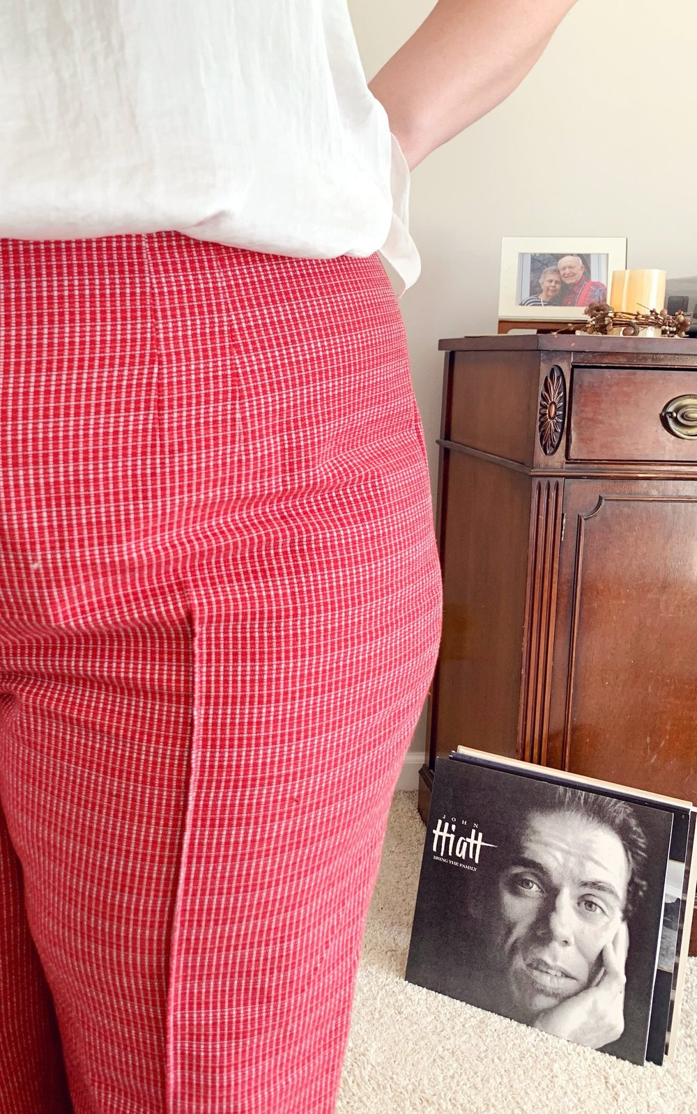 I really love the details in these pants! The darts on the front and back of the waist make for a wonderful fit on a curvy body and these pintucks make the legs appear LONG.