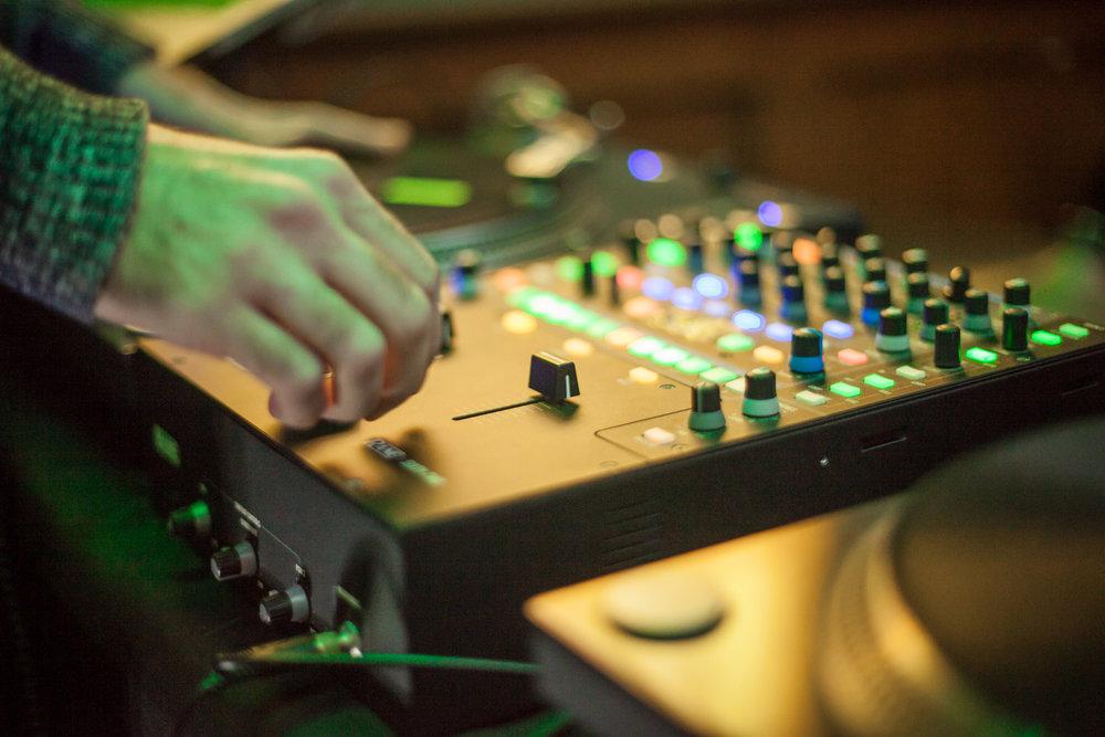 DJ+SKYHOOK-5.jpg