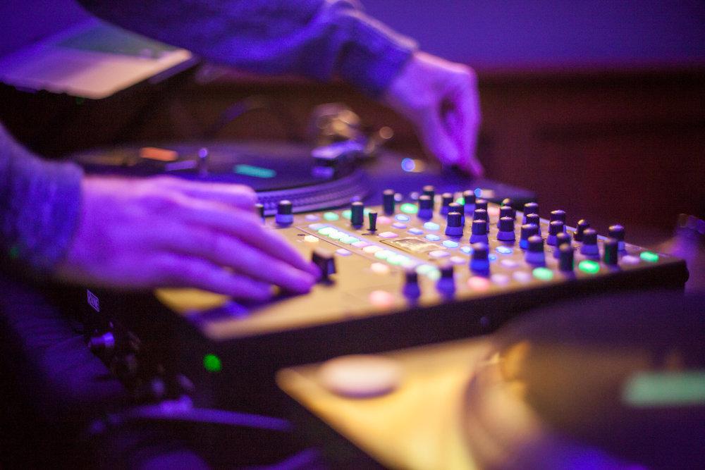 DJ+SKYHOOK-4.jpg