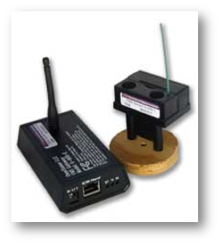Figure 4:     Omnisense    wireless data logger (right) and receiver/internet interface (left) used at the project.