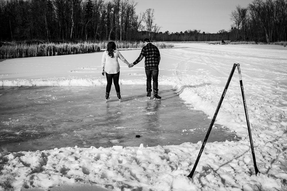 ice-skating-hockey-engagement-photos-5.jpg