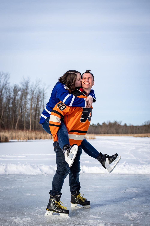 ice-skating-hockey-engagement-photos-11.jpg